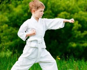 мальчик и спорт