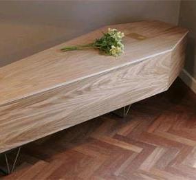 сонник знакомится с покойниками