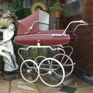 К чему снится коляска с куклой