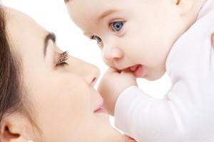 kormlenie grudyu vo sne 300x200 - Рассмотрим, к чему снится кормить ребенка грудным молоком во сне. Тайны сонника
