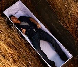 к чему снится живой покойник знакомый