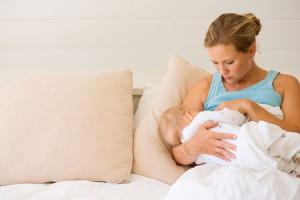 sonnik kormlenie malyisha 300x200 - Рассмотрим, к чему снится кормить ребенка грудным молоком во сне. Тайны сонника
