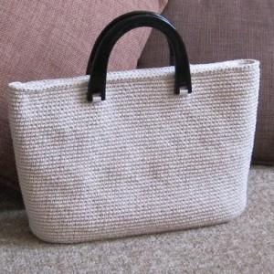 2009279f5257 К чему снится женская сумка, сонник подробно комментирует сон.