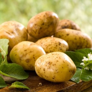 Собирать картофель с земли – толкование сна