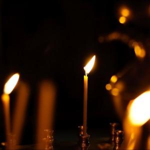 Церковь и свечи