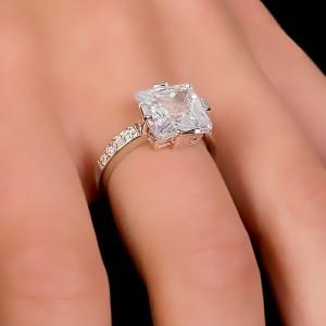Увидеть кольцо на пальце