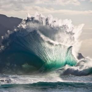К чему снятся большие волны накрывающие людей