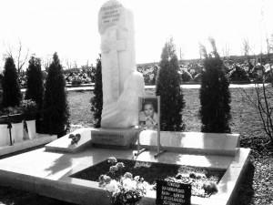 если снятся могилы и памятники