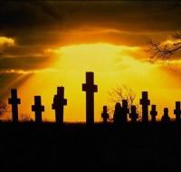 Узнаем, к чему снится кладбище, что означает видеть во сне памятники и могилы. Предвестники сна