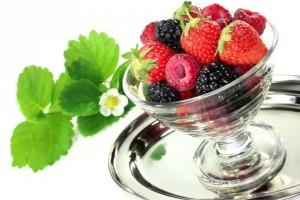 Чему с к клубники ягодами кусты зелеными снятся