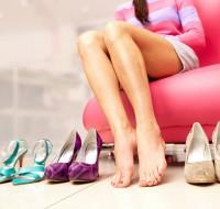 Расскажем, к чему снится обувь, что означает мерить обувь во сне. Узнаем из сонника