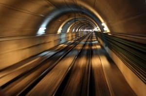 рельсы в метро