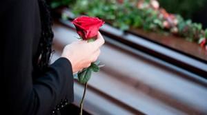 к чему снится похороны живого человека с четверга на пятницу