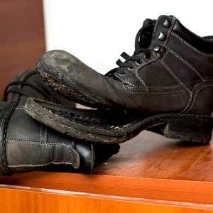 Найти порванную обувь – чего ждать от такого сна