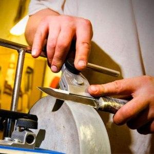 Нож и ножницы – что означает такой сон