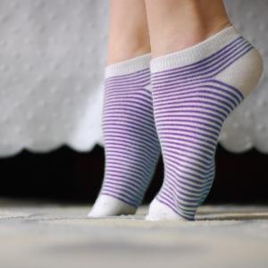 Одевать носки на ноги – что это предвещает