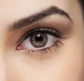 Close-up of a beautiful woman's eye --- Image by © Image Source/Corbis