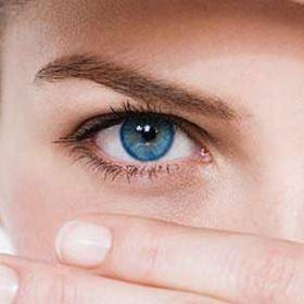 чешется правый глаз