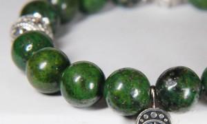 браслет из зеленой яшмы