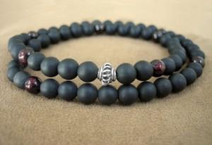 камень черный нефрит
