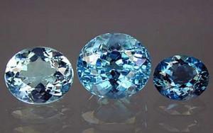 камень голубой топаз