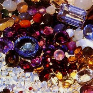 все о драгоценных и полудрагоценных оберегающих камнях