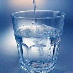 Читать заговор на воду и потом пить ее