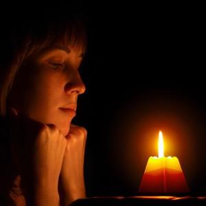 Как осуществляется заговор на свечу