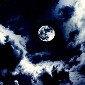 При какой Луне читать заговор продажу квартиры