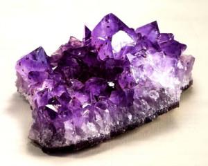 камень аметист