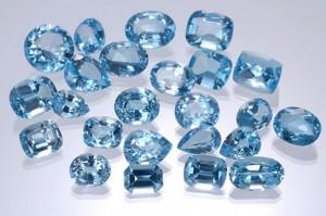 камни топазы