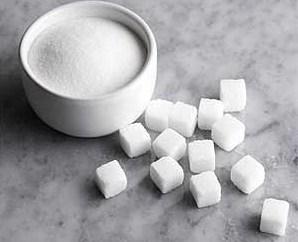 Что означает рассыпанный сахар? Какой знак таит в себе суеверие?
