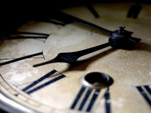 примета часы остановились