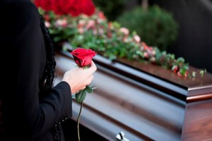 Как толкуются суеверия, связанные с похоронами, погребением и поминками?
