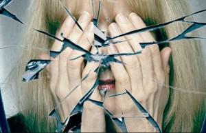 примета зеркало разбилось