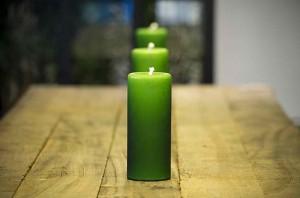 заговор на деньги на зеленую свечу