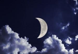 заговор на привлечения денег на растущую луну