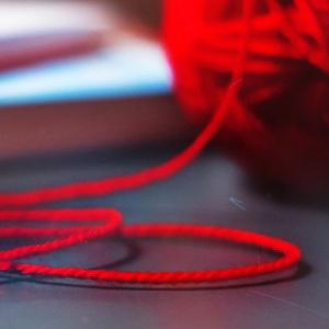Как сделать талисман - красная нить желаний, и как к нему относиться?