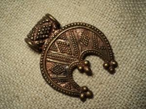 Лунница оберег: значение старославянского символа