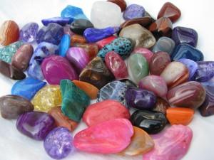 обереги из камней
