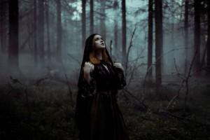приворот ведьмы на кладбище