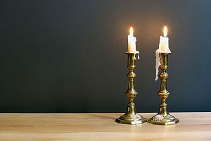 свечи горящие