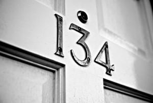Номер квартиры по фен шуй: как узнать, счастливый он или неудачный?