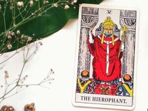 значение карты иерофант